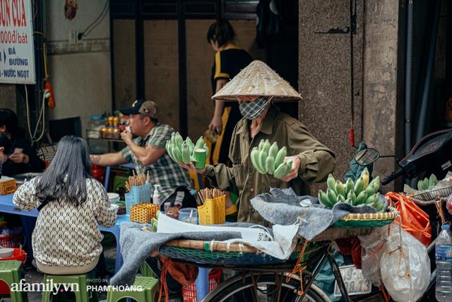 Ngày cuối năm bình yên trong ngõ chợ Thanh Hà - ngôi chợ lâu đời nhất phố cổ được giới nhà giàu chuộng mua vì toàn đồ chất lượng tươi ngon - Ảnh 17.