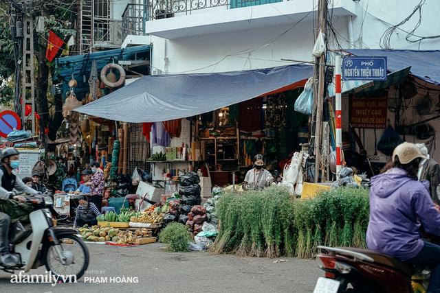 Ngày cuối năm bình yên trong ngõ chợ Thanh Hà - ngôi chợ lâu đời nhất phố cổ được giới nhà giàu chuộng mua vì toàn đồ chất lượng tươi ngon - Ảnh 30.