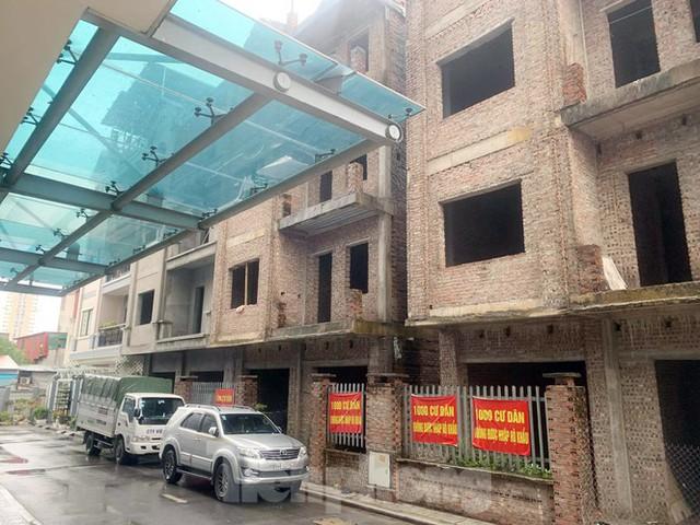 Cận cảnh khu chung cư ở Hà Nội chủ đầu tư bị điều tra lừa dối khách hàng - Ảnh 4.