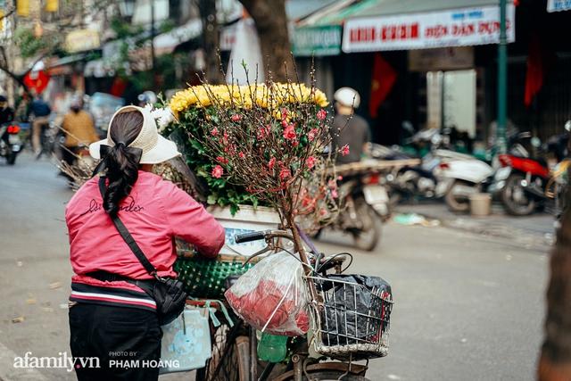 Ngày cuối năm bình yên trong ngõ chợ Thanh Hà - ngôi chợ lâu đời nhất phố cổ được giới nhà giàu chuộng mua vì toàn đồ chất lượng tươi ngon - Ảnh 31.