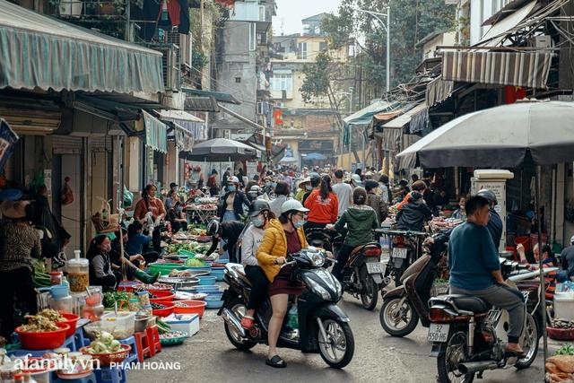 Ngày cuối năm bình yên trong ngõ chợ Thanh Hà - ngôi chợ lâu đời nhất phố cổ được giới nhà giàu chuộng mua vì toàn đồ chất lượng tươi ngon - Ảnh 6.