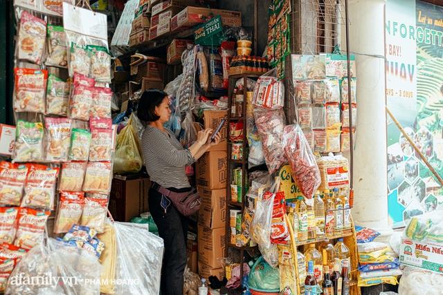 Ngày cuối năm bình yên trong ngõ chợ Thanh Hà - ngôi chợ lâu đời nhất phố cổ được giới nhà giàu chuộng mua vì toàn đồ chất lượng tươi ngon - Ảnh 7.