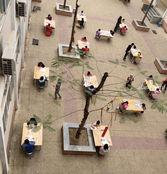 Không khí đón giao thừa tại trường tiểu học Xuân Phương, cái Tết đáng nhớ của thầy trò và phụ huynh trong khu cách ly  - Ảnh 2.