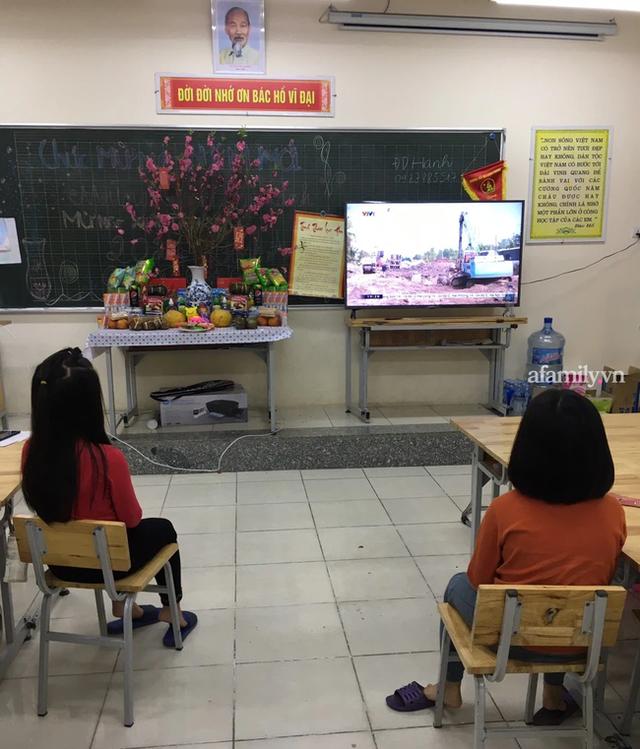 Không khí đón giao thừa tại trường tiểu học Xuân Phương, cái Tết đáng nhớ của thầy trò và phụ huynh trong khu cách ly  - Ảnh 7.