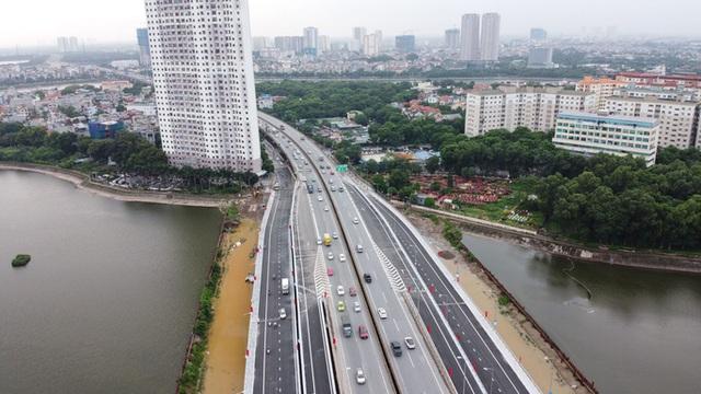 Toàn cảnh những công trình gỡ ùn tắc giao thông cho Hà Nội thời gian qua  - Ảnh 1.