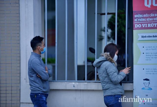 Niềm vui ngày mùng 3 Tết: Toàn bộ học sinh TH Xuân Phương còn lại hoàn thành cách ly, được nhận lì xì trước khi về nhà trong vòng tay cha mẹ - Ảnh 1.