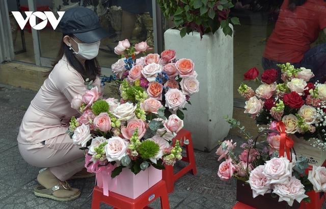 TP.HCM: Nhiều cửa hàng hoa đóng cửa dịp Valentine - Ảnh 3.