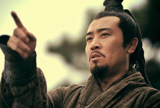 Giữ chức vụ ngang hàng với Gia Cát Lượng trong triều đình Thục Hán nhưng nhân vật này luôn bị Lưu Bị coi thường, xem nhẹ - Ảnh 2.