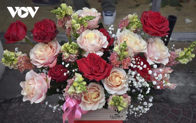 TP.HCM: Nhiều cửa hàng hoa đóng cửa dịp Valentine - Ảnh 4.