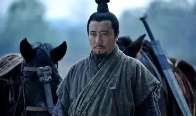 Giữ chức vụ ngang hàng với Gia Cát Lượng trong triều đình Thục Hán nhưng nhân vật này luôn bị Lưu Bị coi thường, xem nhẹ - Ảnh 3.