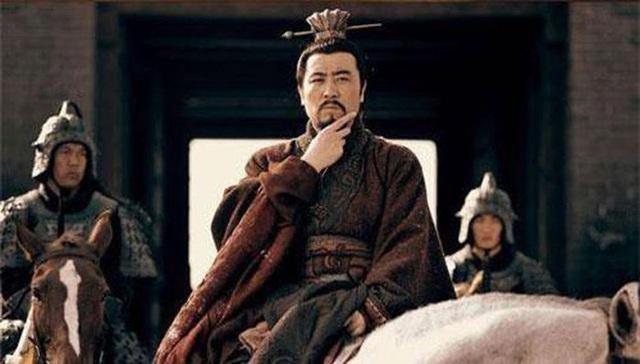 Giữ chức vụ ngang hàng với Gia Cát Lượng trong triều đình Thục Hán nhưng nhân vật này luôn bị Lưu Bị coi thường, xem nhẹ - Ảnh 5.