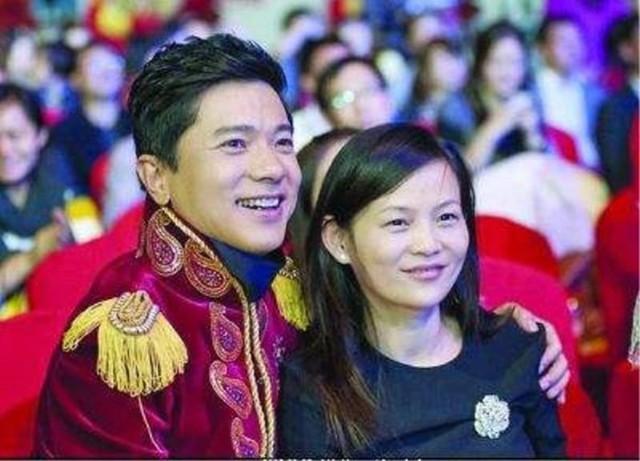 """Ngưỡng mộ chuyện tình """"ngọt hơn đường"""" của các tỷ phú Trung Quốc: Chồng giỏi vợ đảm chẳng khác nào hổ mọc thêm cánh - Ảnh 5."""