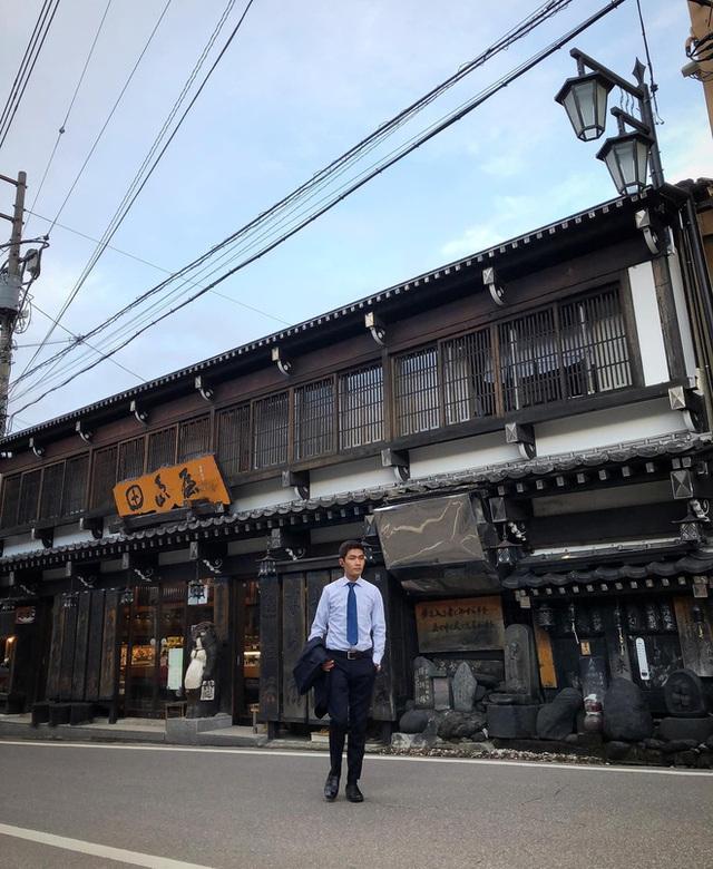 Chàng trai Việt mang di ảnh bố mẹ đi khắp nước Nhật lộ tài nấu nướng đẳng cấp: Đưa đồ ăn đơn giản lên 5 sao - Ảnh 24.