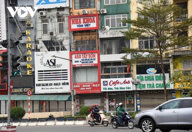 Một số quán ăn, quán cafe tại Hà Nội vẫn mở cửa bất chấp lệnh cấm  - Ảnh 1.