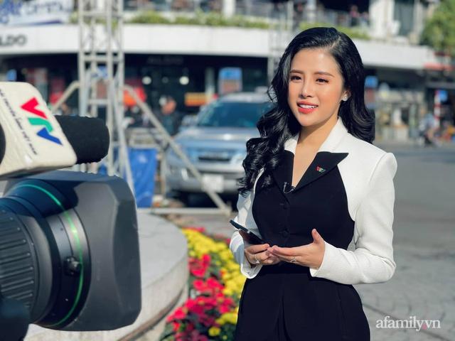 Tết của các nữ BTV truyền hình: Người đội mưa rét đi dẫn bản tin từ 4h sáng, người đón xuân đầu tiên không được về nhà - Ảnh 1.