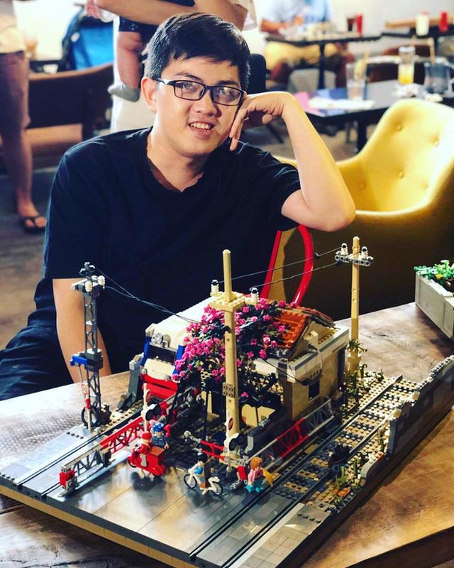 Fanpage nước ngoài đình đám chia sẻ mâm cỗ Tết làm 100% từ mô hình Lego, dân mạng nhận xét: Tự hào quá Việt Nam ơi! - Ảnh 2.