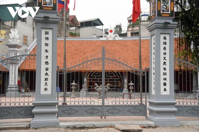 Một số quán ăn, quán cafe tại Hà Nội vẫn mở cửa bất chấp lệnh cấm  - Ảnh 15.