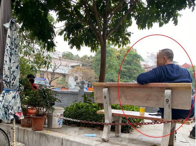 Hàng quán ở Hà Nội sau chỉ thị đóng cửa phòng dịch COVID-19 - Ảnh 15.