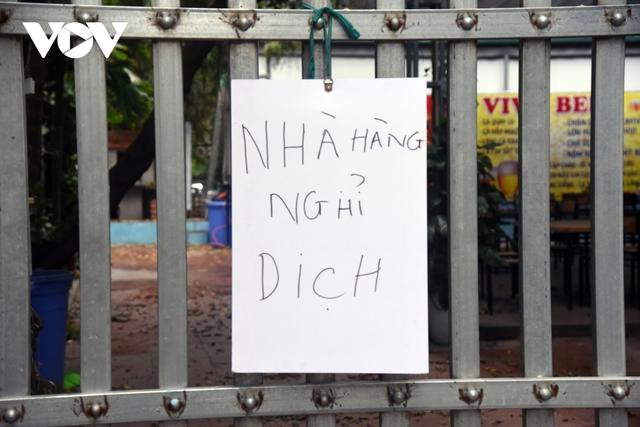 Một số quán ăn, quán cafe tại Hà Nội vẫn mở cửa bất chấp lệnh cấm  - Ảnh 4.