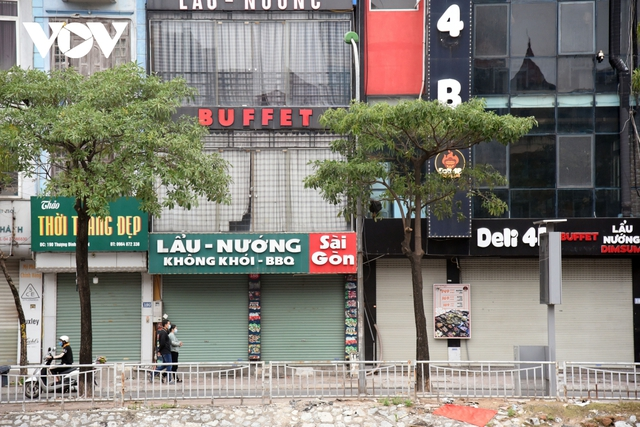 Một số quán ăn, quán cafe tại Hà Nội vẫn mở cửa bất chấp lệnh cấm  - Ảnh 8.