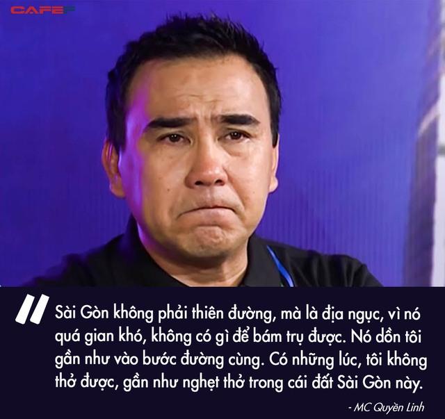 Quyền Linh - MC giàu nhất nhì showbiz Việt: Một đời lăn lộn để thoát cảnh cùng cực, thành đại gia rồi vẫn giản dị nằm đất, đi dép lào, bỏ tiền túi giúp dân nghèo - Ảnh 3.