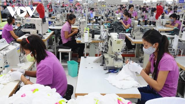 Doanh nghiệp dệt may nỗ lực vượt khó, mục tiêu xuất khẩu 39 tỷ USD - Ảnh 1.