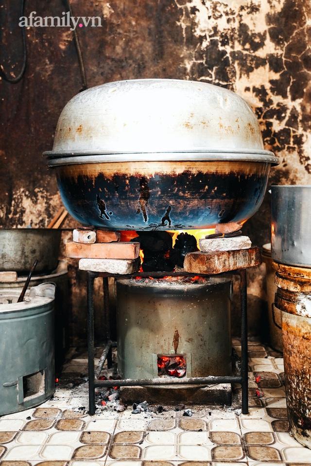 Món giò heo hầm bắc thảo hơn 50 năm của người Hoa ở Cà Mau, giá gần NỬA TRIỆU cho một chiếc giò, chỉ bán giới hạn không quá 30 phần một ngày! - Ảnh 4.