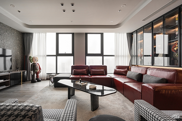 Ấn tượng với không gian của căn Duplex 200 m2 lấp đầy đồ chơi tiền tỷ ở Hà Nội - Ảnh 1.