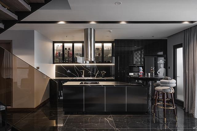 Ấn tượng với không gian của căn Duplex 200 m2 lấp đầy đồ chơi tiền tỷ ở Hà Nội - Ảnh 9.