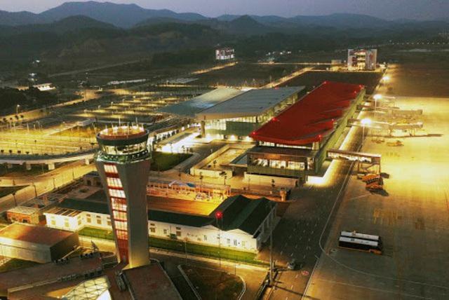 Sân bay Vân Đồn tiếp tục bị đóng cửa tới đầu tháng 3-2021 - Ảnh 1.