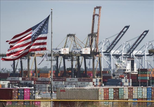 Mỹ vẫn giữ nguyên mức thuế đối với hàng hóa Trung Quốc  - Ảnh 1.