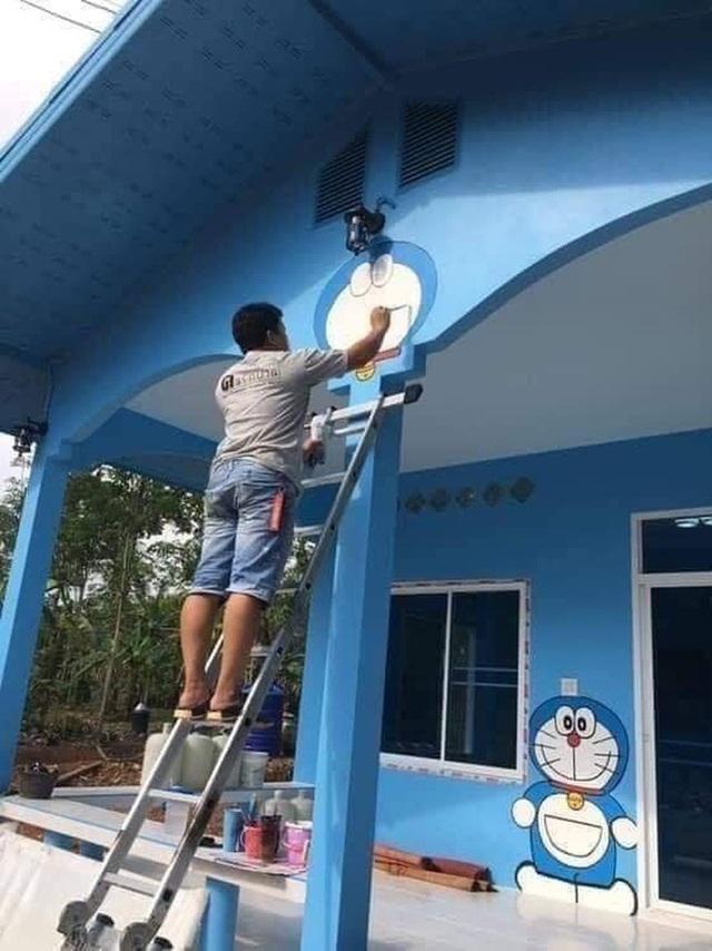 Căn nhà có gia chủ mê Doraemon khiến dân tình tranh cãi: Dễ thương hay nhố nhăng như cái vườn trẻ? - Ảnh 3.