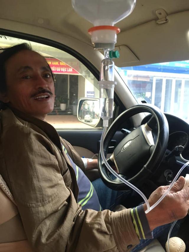Clip: NS Giang Còi gây hoang mang khi lái xe trong lúc truyền nước, hé lộ tình trạng sức khỏe sau chia sẻ bị ung thư - Ảnh 1.