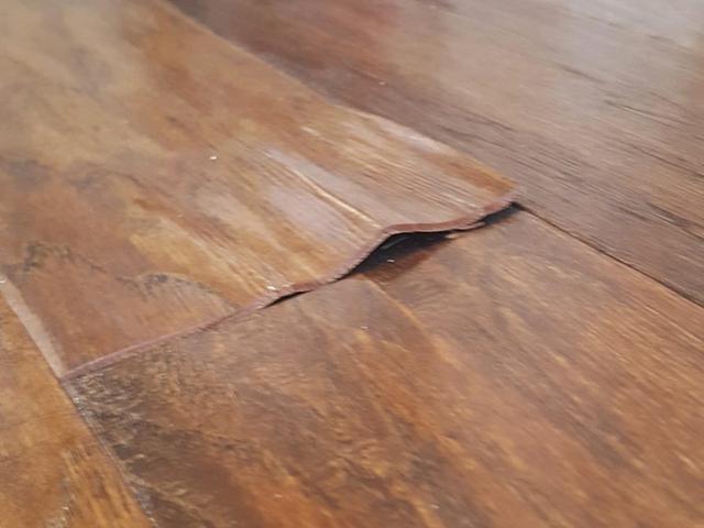 Tất tần tật những cách vệ sinh đồ gỗ chạm trổ phức tạp chuẩn bị đón Tết - Ảnh 4.