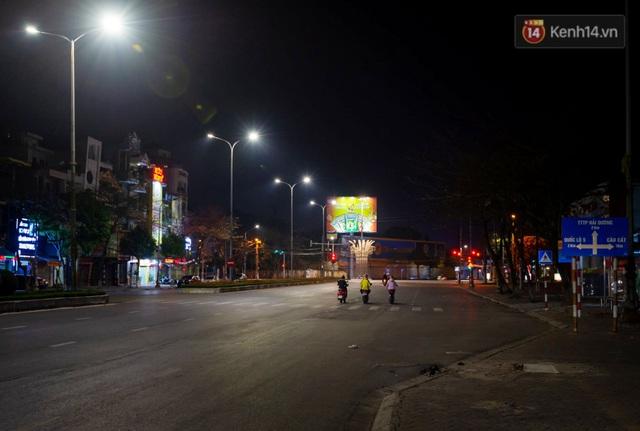 Chùm ảnh: Quang cảnh nội thành Hải Dương trong những ngày giãn cách xã hội toàn tỉnh - Ảnh 1.