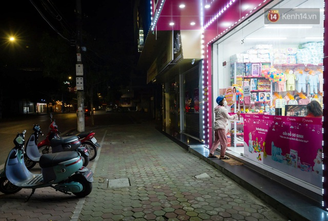 Chùm ảnh: Quang cảnh nội thành Hải Dương trong những ngày giãn cách xã hội toàn tỉnh - Ảnh 2.