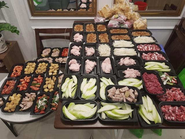 Dịch vụ đặt mâm cỗ cúng ngày Rằm tháng Giêng nở rộ mùa dịch, nhà bếp phục vụ 50 mâm/ngày - Ảnh 12.
