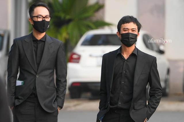 Tang lễ NSND Hoàng Dũng: Các nghệ sĩ Việt có mặt từ sớm để tiễn đưa cố nghệ sĩ lần cuối - Ảnh 16.