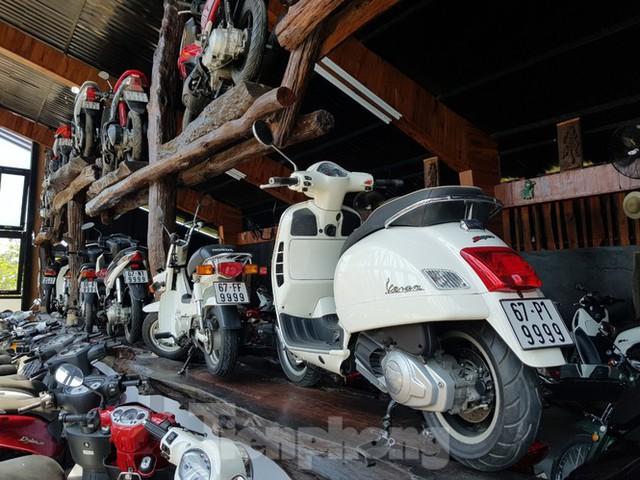Mê mẩn bộ sưu tập 500 chiếc xe máy biển số khủng - Ảnh 3.