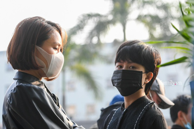 Tang lễ NSND Hoàng Dũng: Các nghệ sĩ Việt có mặt từ sớm để tiễn đưa cố nghệ sĩ lần cuối - Ảnh 23.
