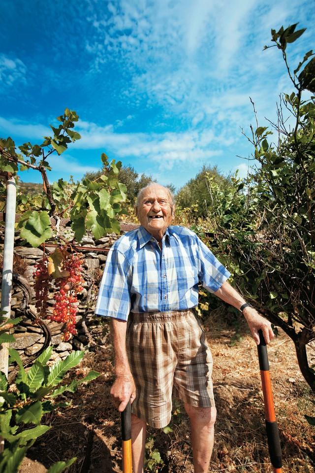 Mắc ung thư giai đoạn cuối, tưởng như từ bỏ điều trị nhưng ông đã sống tới 102 tuổi nhờ biết cách dưỡng sinh - Ảnh 1.