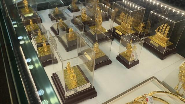 Phố Vàng vắng vẻ lạ thường ngày Thần Tài - Ảnh 10.
