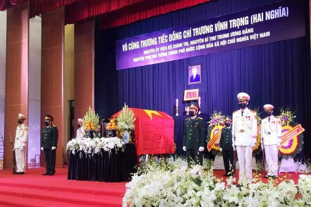 Xúc động tiễn đưa nguyên Phó Thủ tướng Trương Vĩnh Trọng  - Ảnh 1.