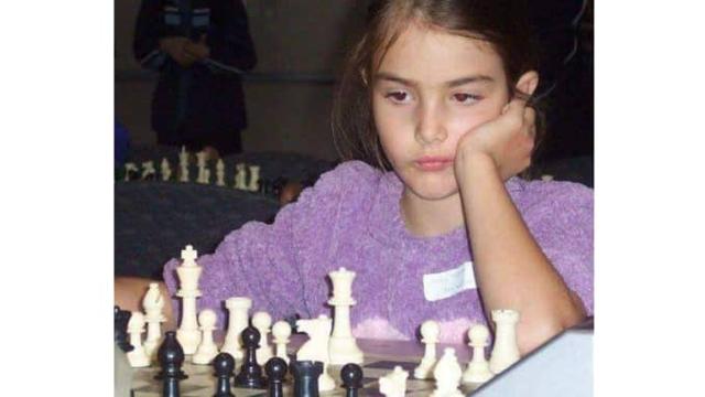 Ngồi nhà vẫn kiếm tiền tỷ từ công việc streamer cờ vua chuyên nghiệp - Ảnh 1.