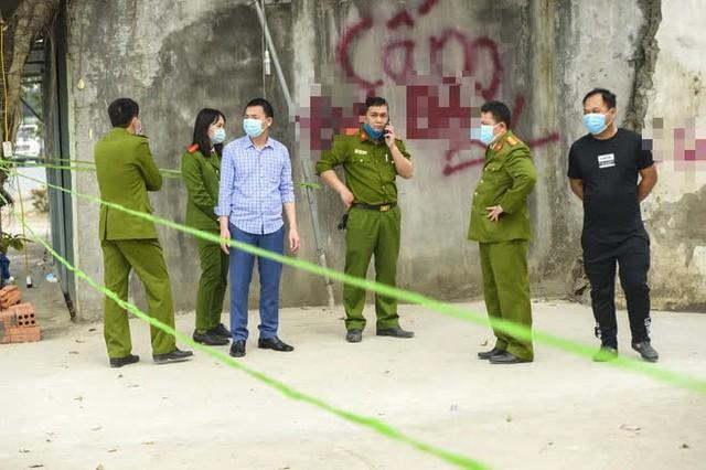 Hiện trường vụ truy sát 3 người chết, 5 người bị thương ở Hòa Bình - Ảnh 11.