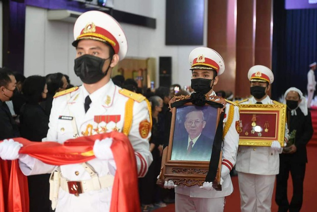 Xúc động tiễn đưa nguyên Phó Thủ tướng Trương Vĩnh Trọng  - Ảnh 14.