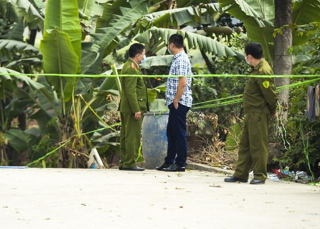 Hiện trường vụ truy sát 3 người chết, 5 người bị thương ở Hòa Bình - Ảnh 14.