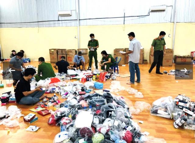 Phát hiện kho hàng khủng các thương hiệu nổi tiếng thế giới chuyển từ Mỹ về Việt Nam - Ảnh 1.
