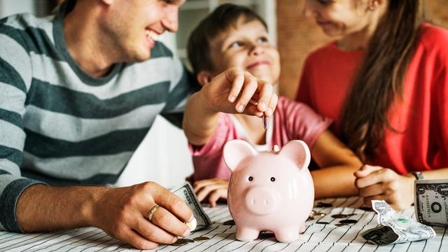 Phỏng vấn 1.200 triệu phú lập nghiệp từ tay trắng về cách dạy con kiếm tiền: Tương lai giàu có bắt đầu từ quan niệm đúng đắn về tiền bạc - Ảnh 2.
