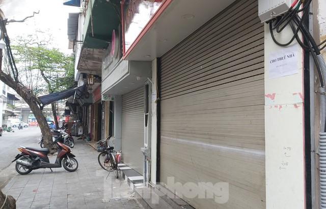 Hàng loạt khách sạn, cửa hàng Hà Nội treo biển cho thuê sau Tết - Ảnh 7.